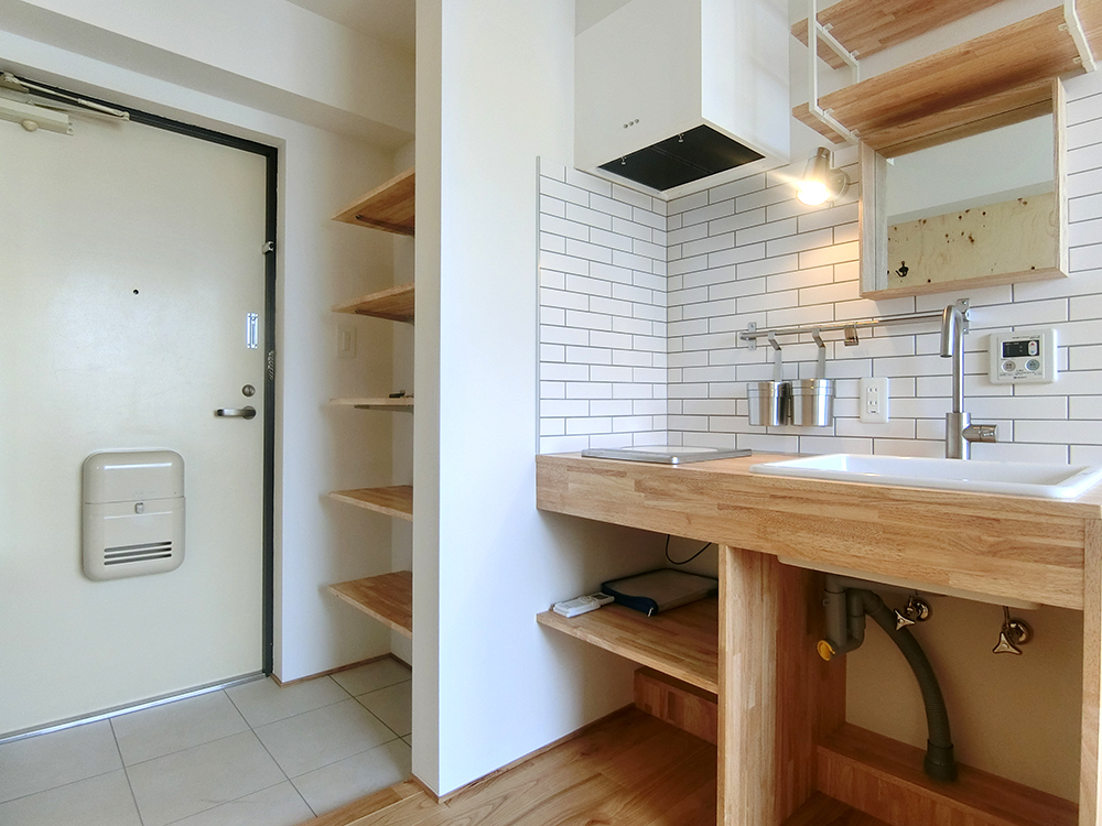 タイルが可愛い造作キッチン 【神楽坂駅・賃料UPに成功したリノベーション事例】の画像