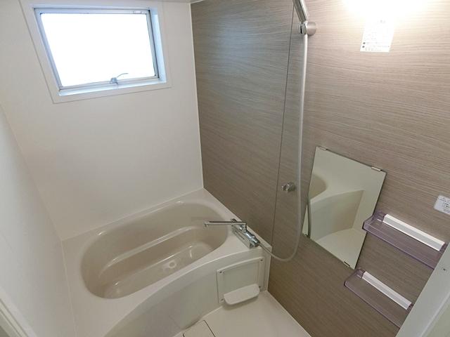 ナチュラルで潔いリノベ【新宿区・空室から家賃UPに成功したリノベーション事例】の画像