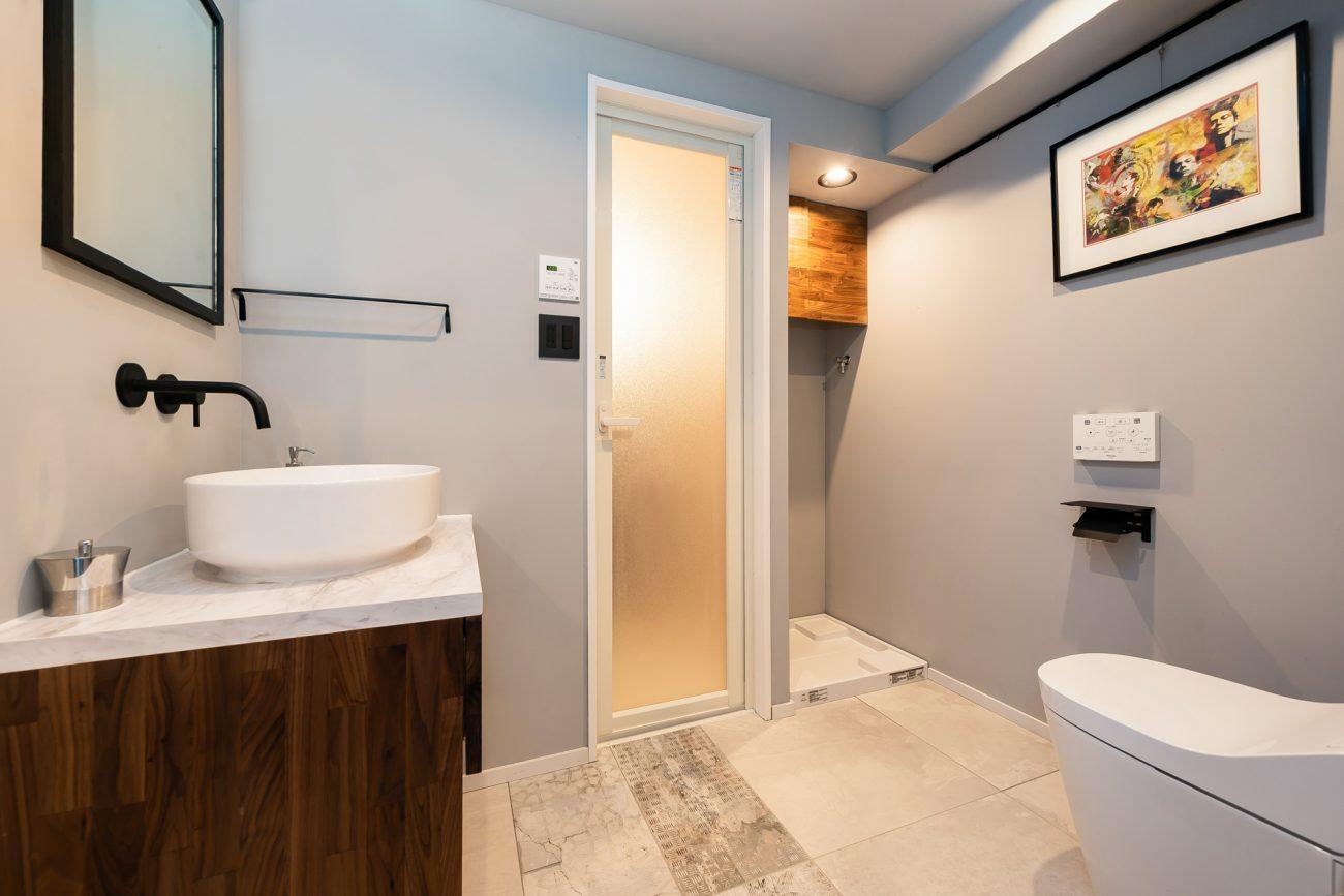 恵比寿徒歩圏の築22年マンションをカスタマイズリノベで、賃料25万円、即満室の画像
