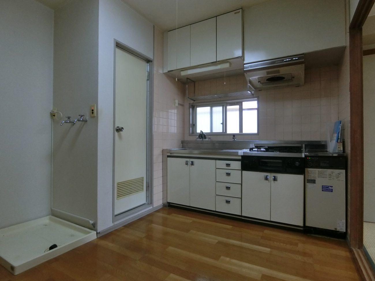 新大塚 築43年の3点UB 2DKマンションを躯体表しリノベで、賃料3.5万アップの画像