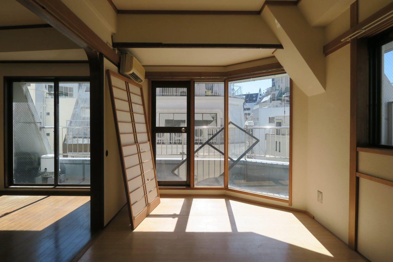 東日本橋築50年ビル最上階の旧オーナーズルームをハイエンドリノベで、賃料25万のマンスリーに再生の画像