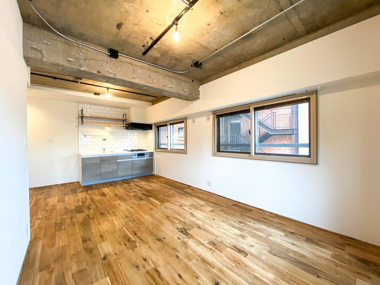 目黒築40年のヴィンテージマンションをリモートワーク用書斎付きフルリノベで賃料18万円、即満室の画像