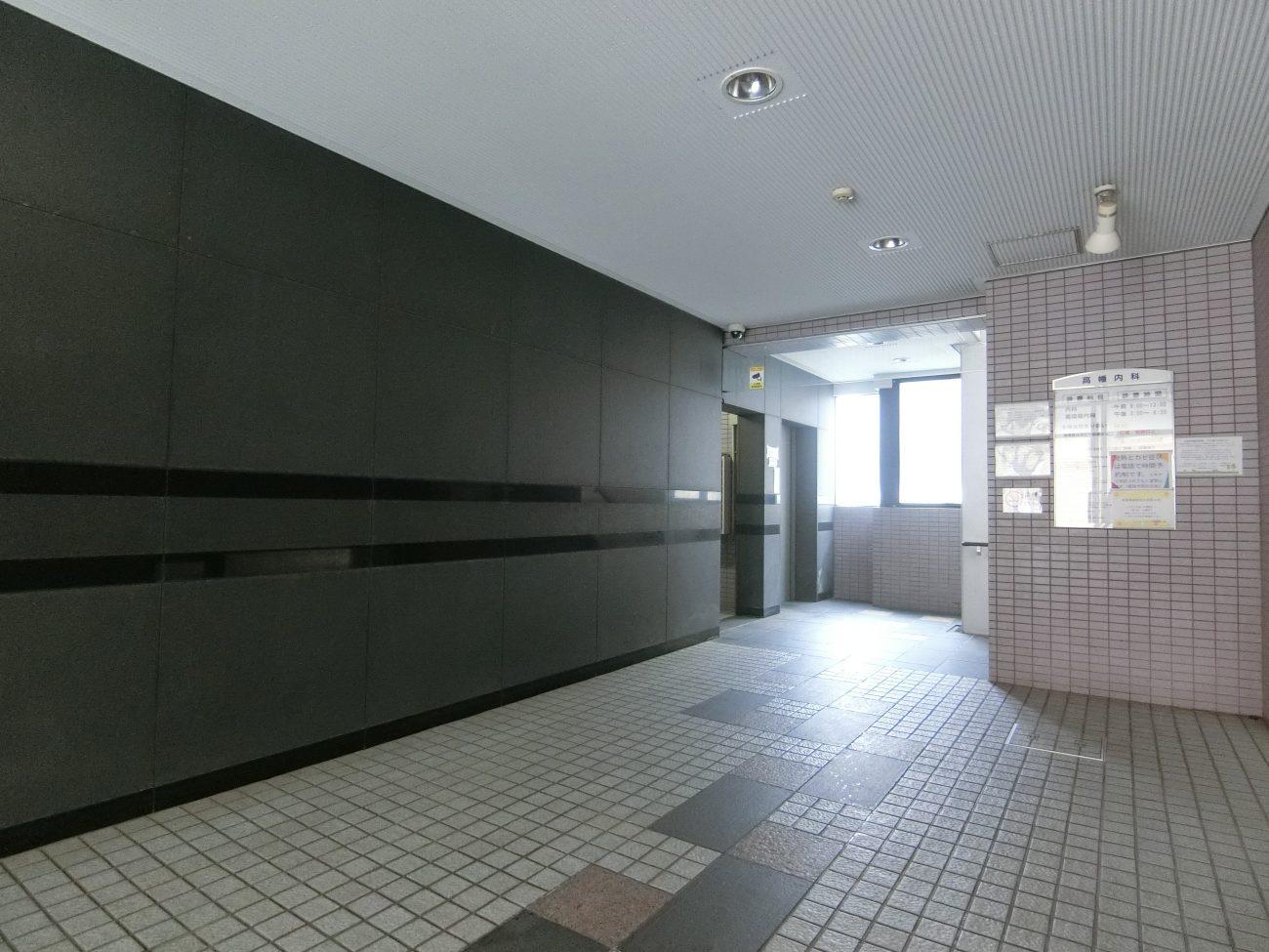 高幡不動 築27年 RCマンションエントランスリニューアルの画像