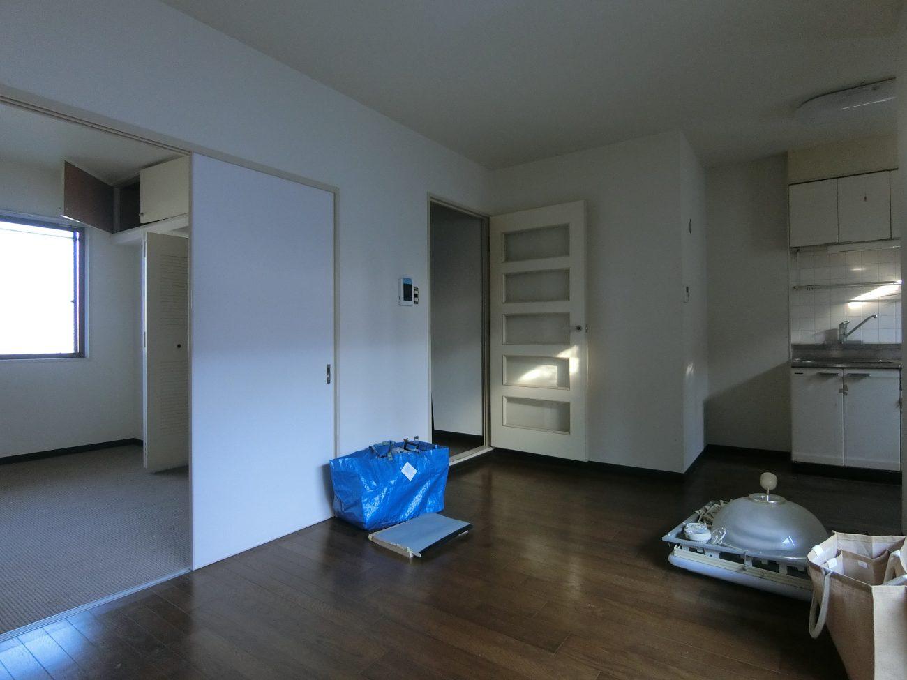 祖師ヶ谷大蔵 築28年 RC 35m2 無垢+玄関廊下タイル貼りリノベーションで工事中に満室の画像