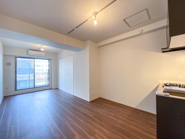 新御徒町 築21年RC 31m2汚部屋をモダンフルリノベで、賃料2万円UPの画像