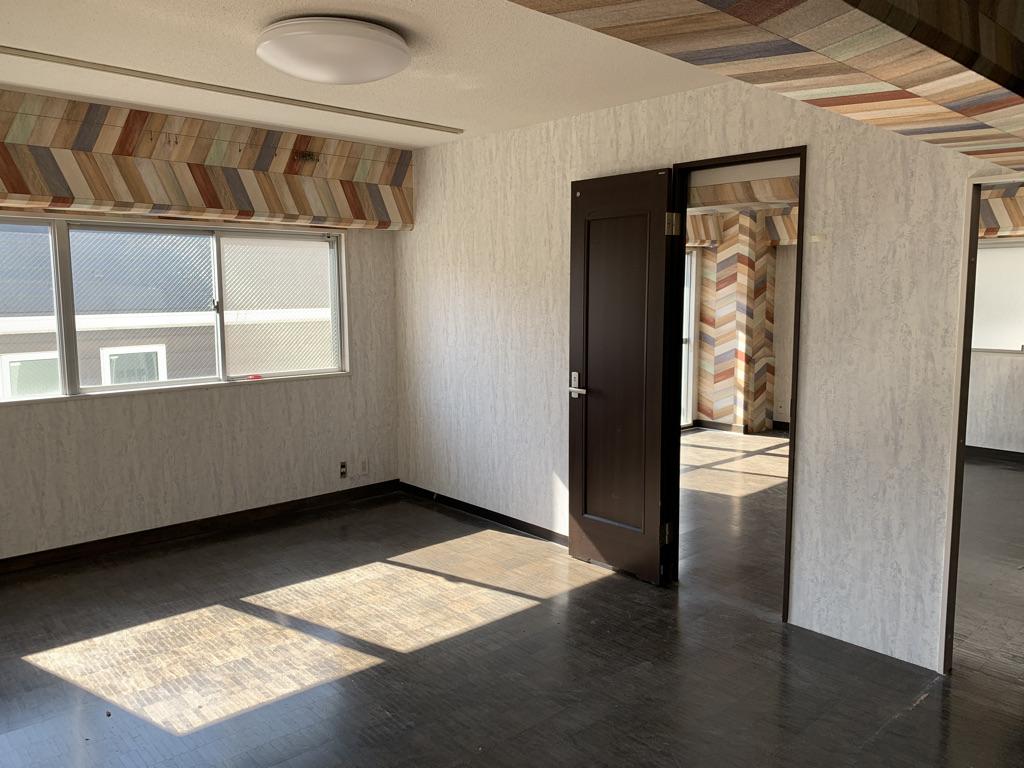牛込柳町 築29年 RC 62㎡ SOHO向け土間付きフルリノベで工事完成前に満室の画像