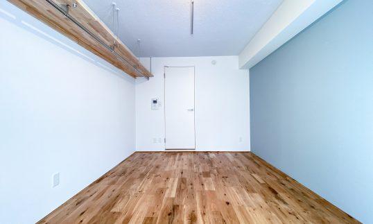 方南町 築27年 RC造 20㎡ 1Kを爽やかな無垢床フルリノベで賃料9千円UPの画像