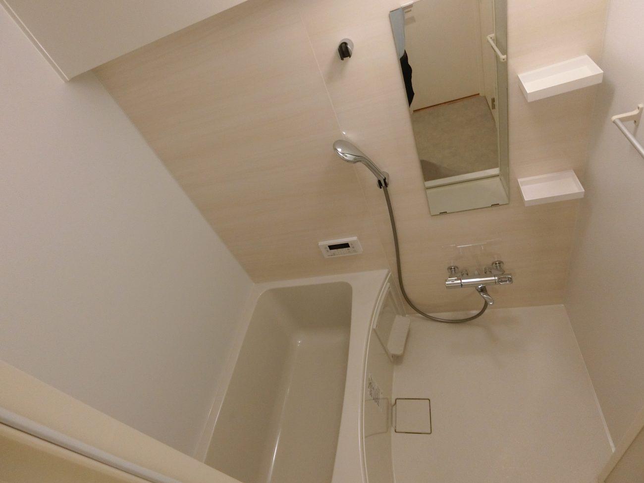 東新宿 築43年 RC 47m2 リモートワーク用書斎付きリノベ―ション 再販用途の画像