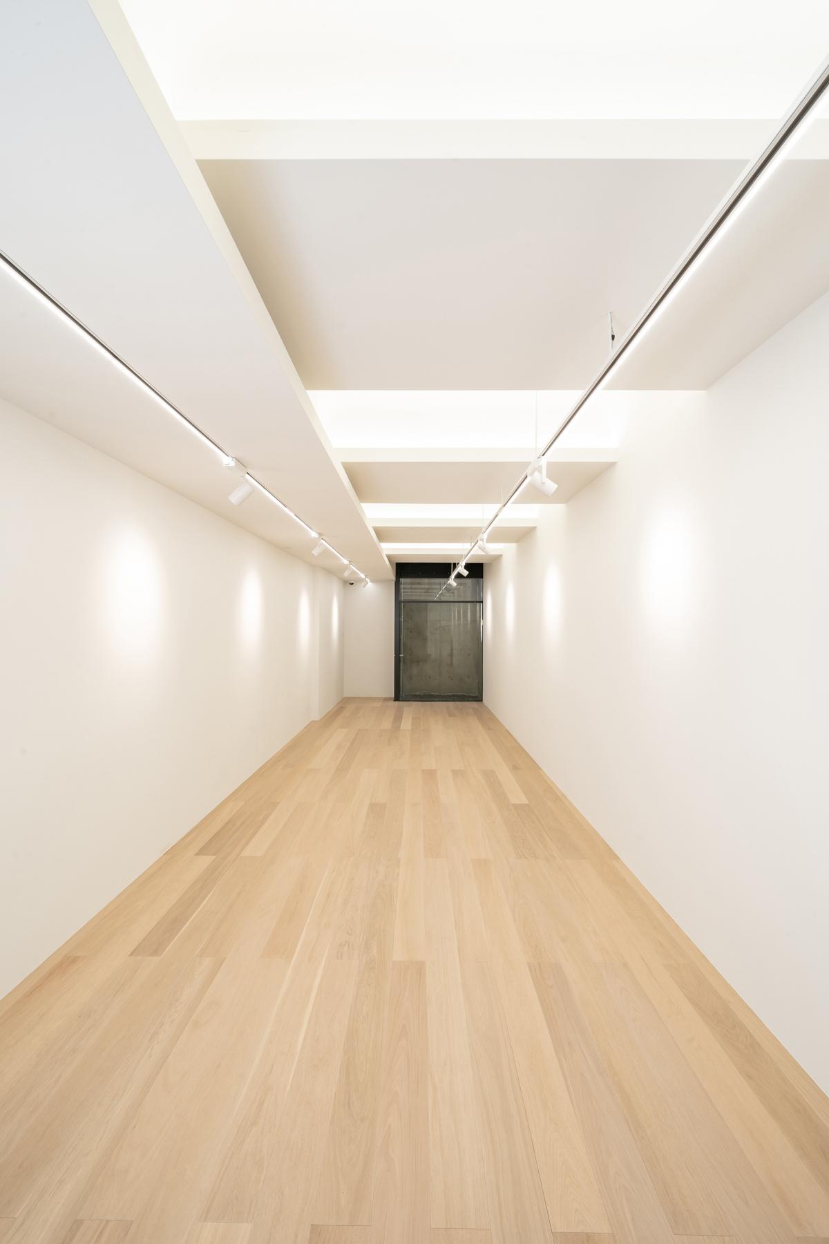 西麻布 RC 80m2 メゾネット+事務所個室 アートギャラリー改修工事【Gallery Ether】の画像